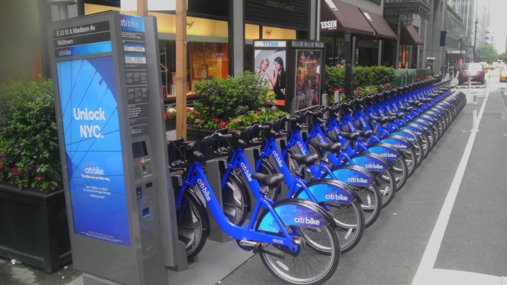E53_St_Citibike_station_loaded_jeh