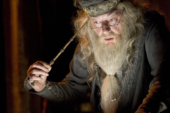 Top-10-Most-Memorable-Teachers-from-the-Harry-Potter-series-Albus-Dumbledore-594x395