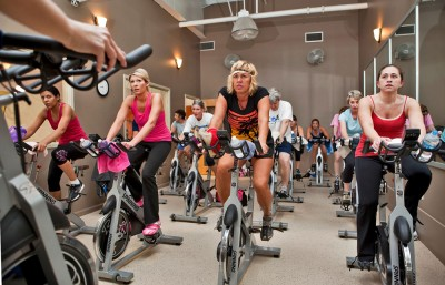 Spin-Exercise-Class-Fitness-Sprinning-Bikes-400x257
