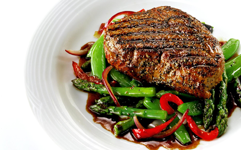 grilled-steak-with-stir-fried-veg-and-warm-balsamic